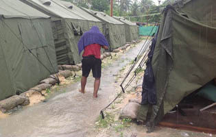 New shocking photos from Manus Island